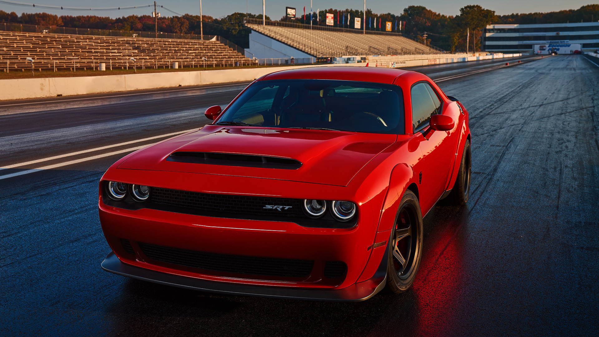 Владельцы Challenger SRT Demon подали в суд на Dodge